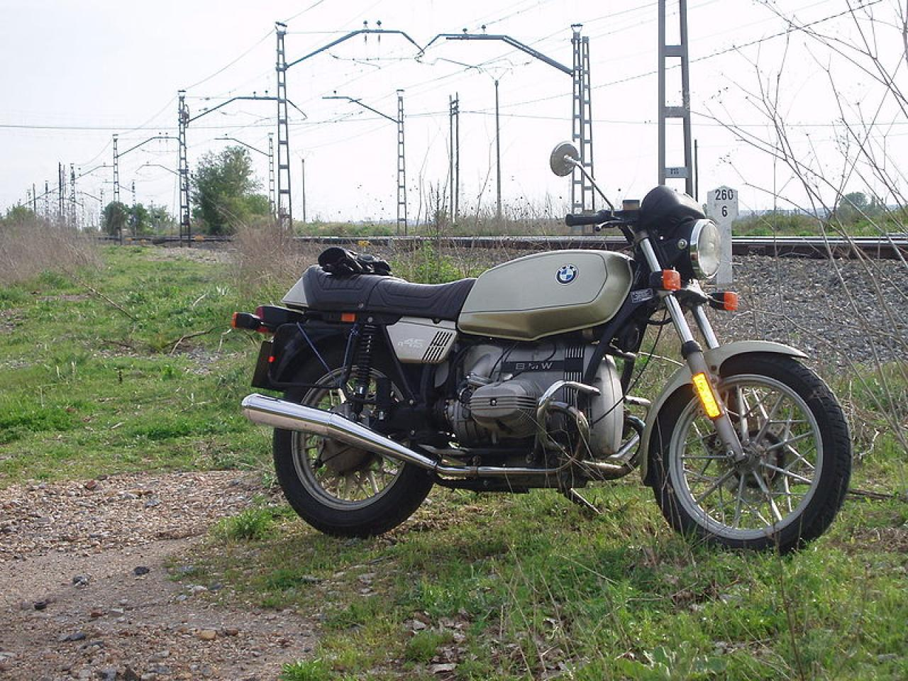 1980 BMW R45 (reduced effect) #2