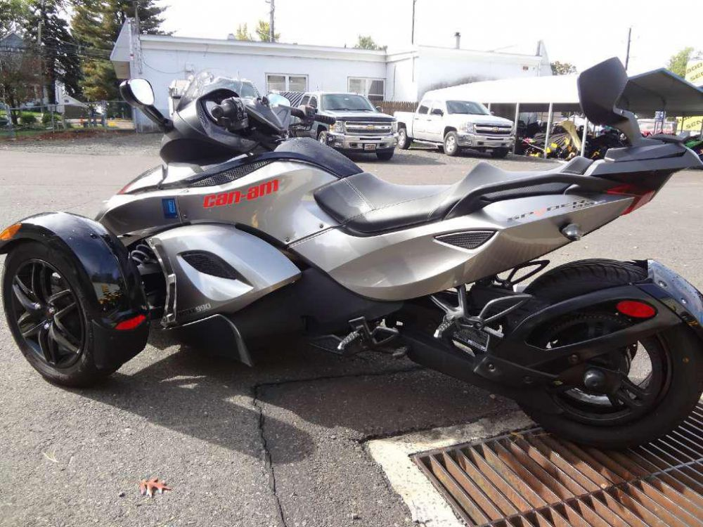 2011 Can-Am Spyder Roadster RS #5
