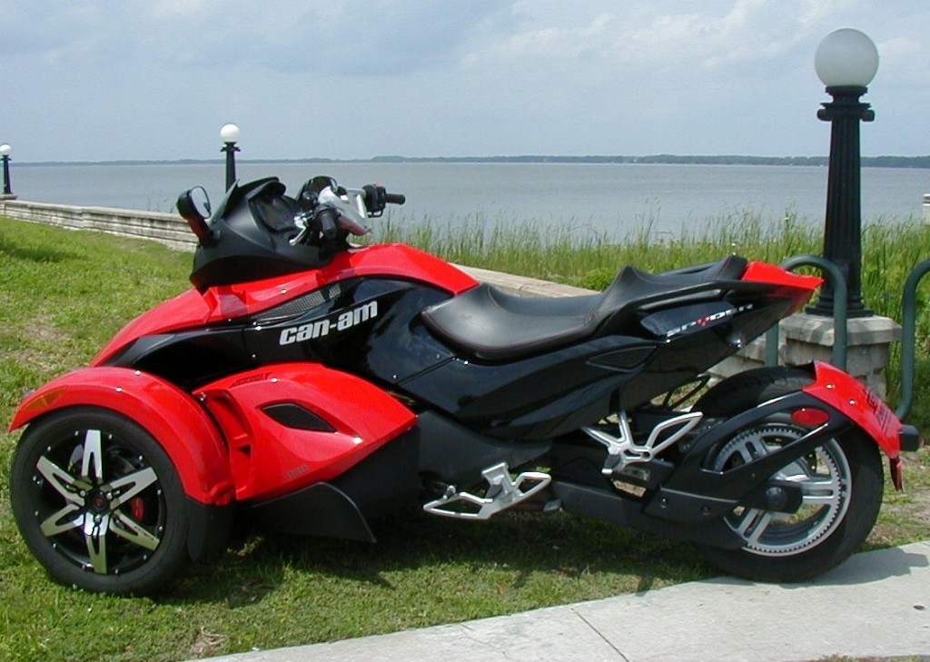 Can-Am Spyder Roadster RS #4