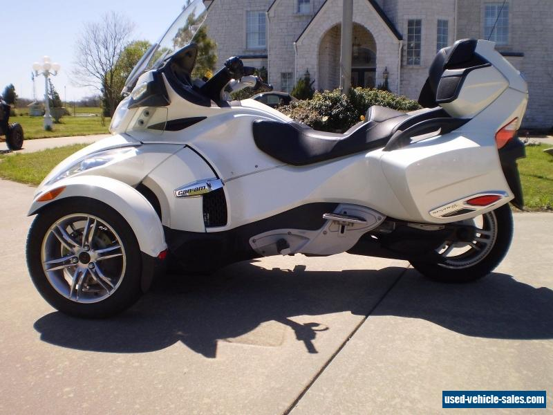 2011 Can-Am Spyder Roadster RT Limited #4
