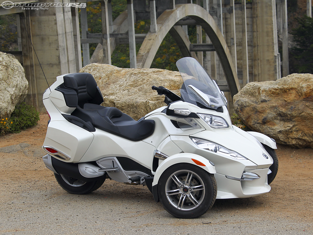 2011 Can-Am Spyder Roadster RT Limited #5