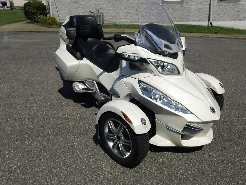 2011 Can-Am Spyder Roadster RT Limited #10