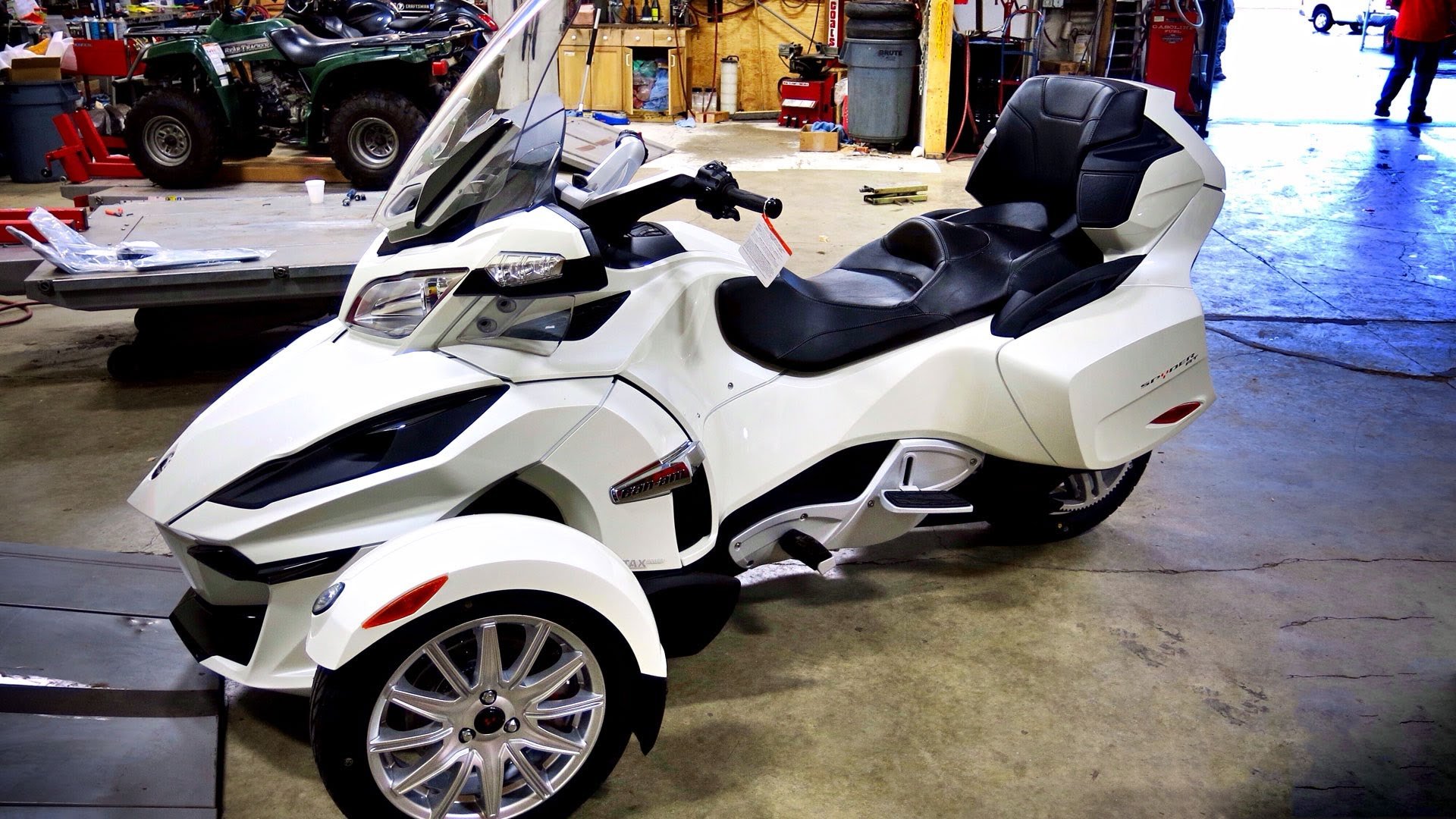 Can-Am Spyder Roadster RT #5