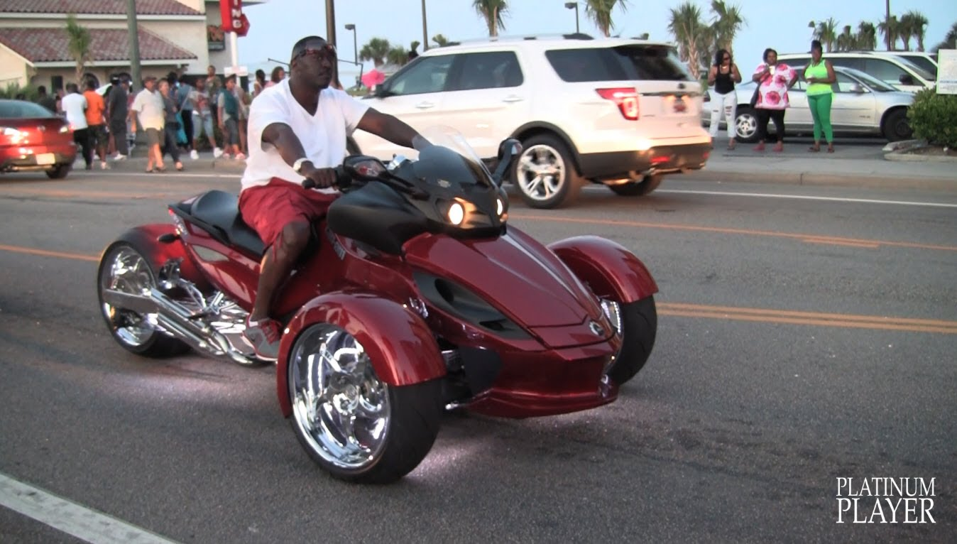Can-Am Spyder Roadster #1