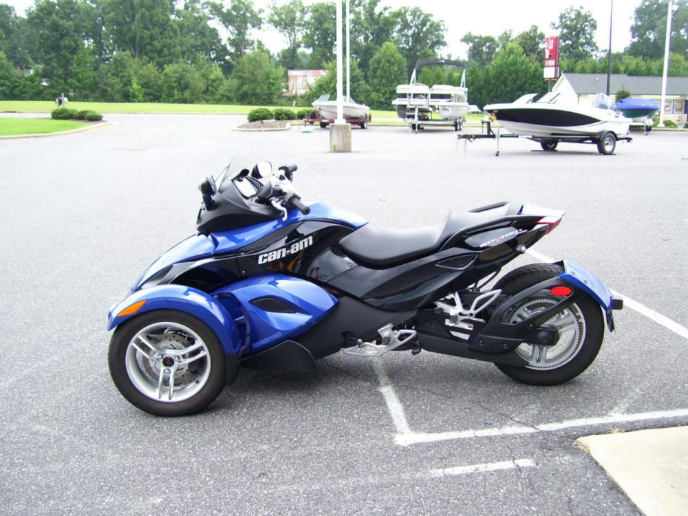 2010 Can-Am Spyder RS #1
