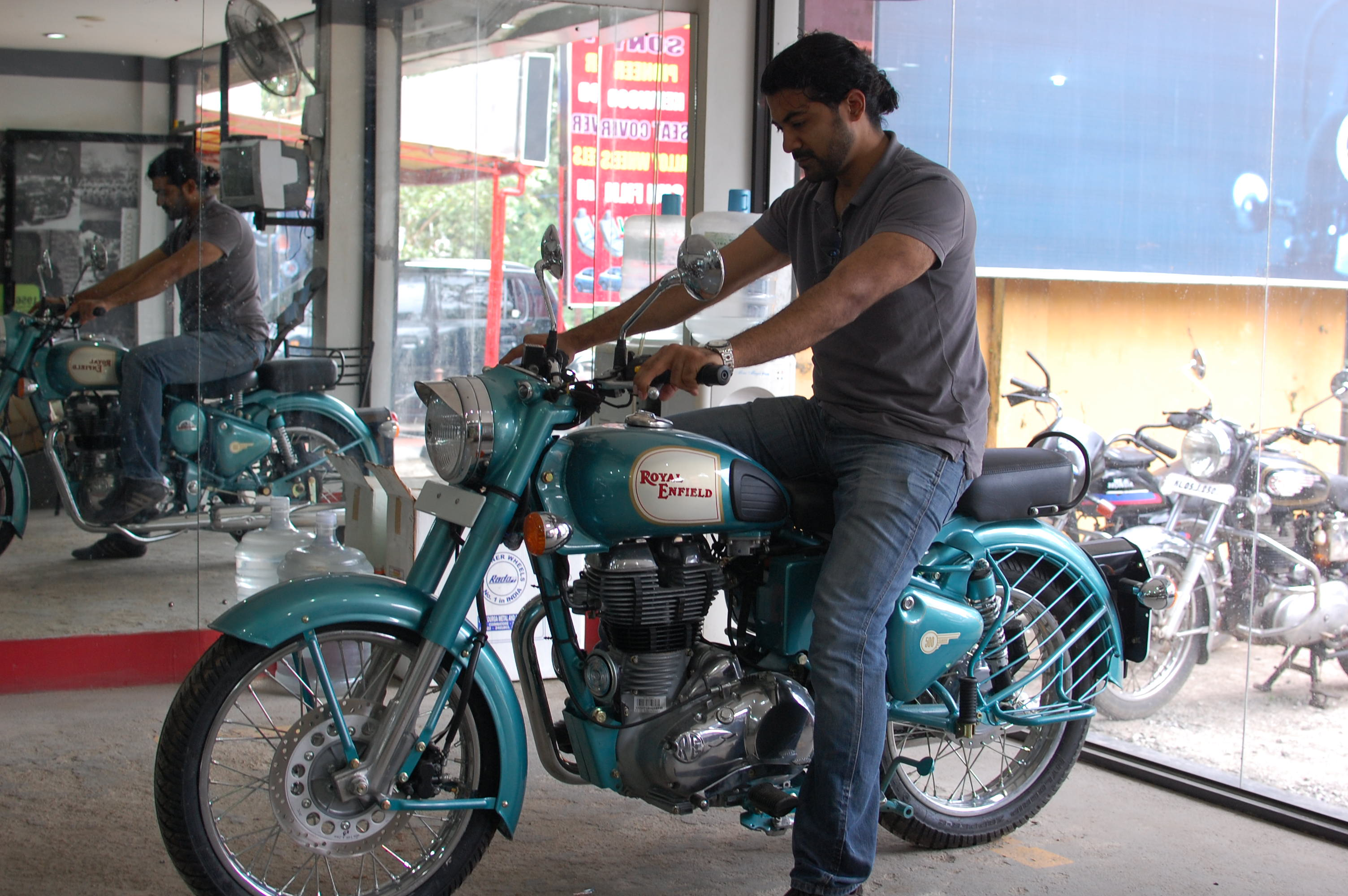 2011 Enfield Bullet Classic 500 #4