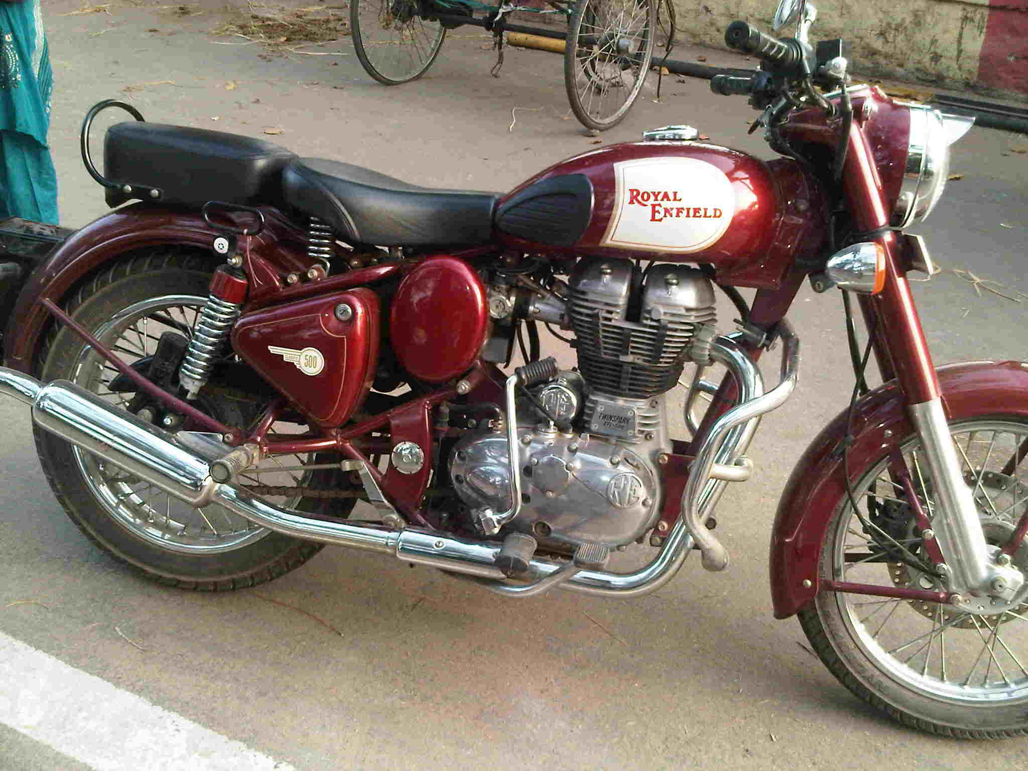 2010 Enfield Classic 500 #1