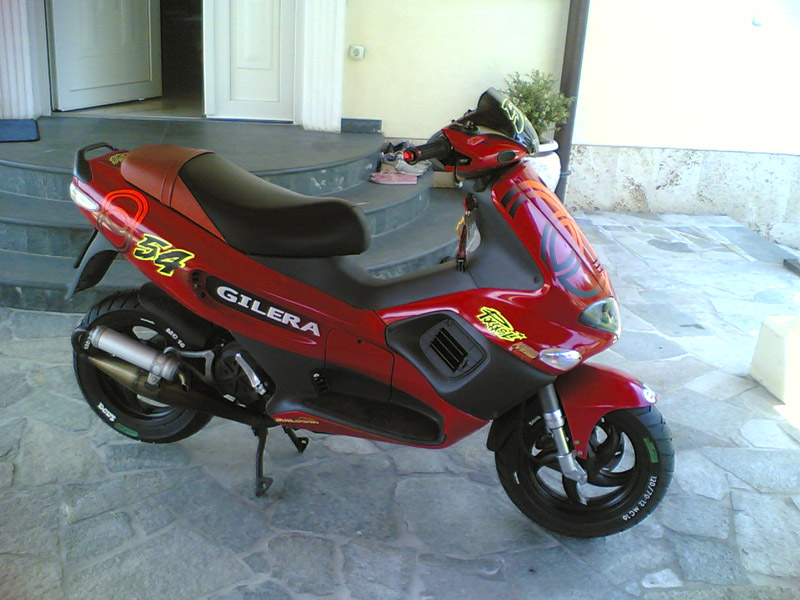 2006 Gilera Runner Racing Replica #10