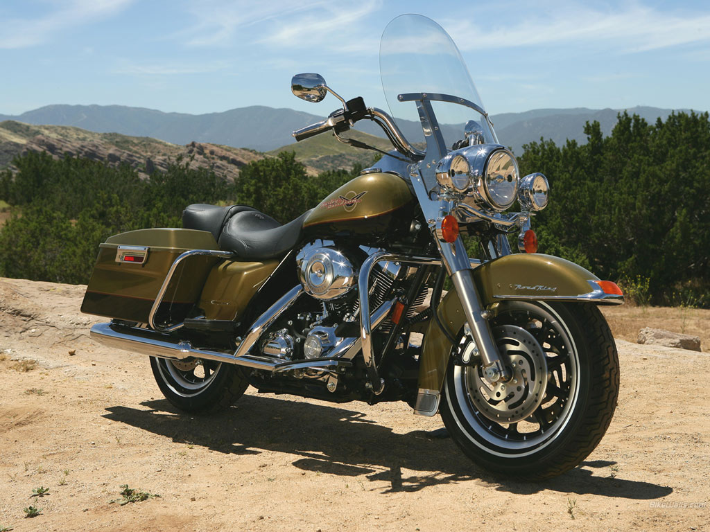 2012 Harley-Davidson FLHRC Road King Classic #6