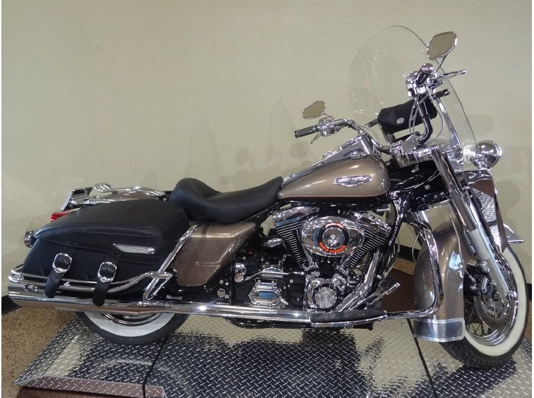 2004 Harley-Davidson FLHRCI Road King Classic #1