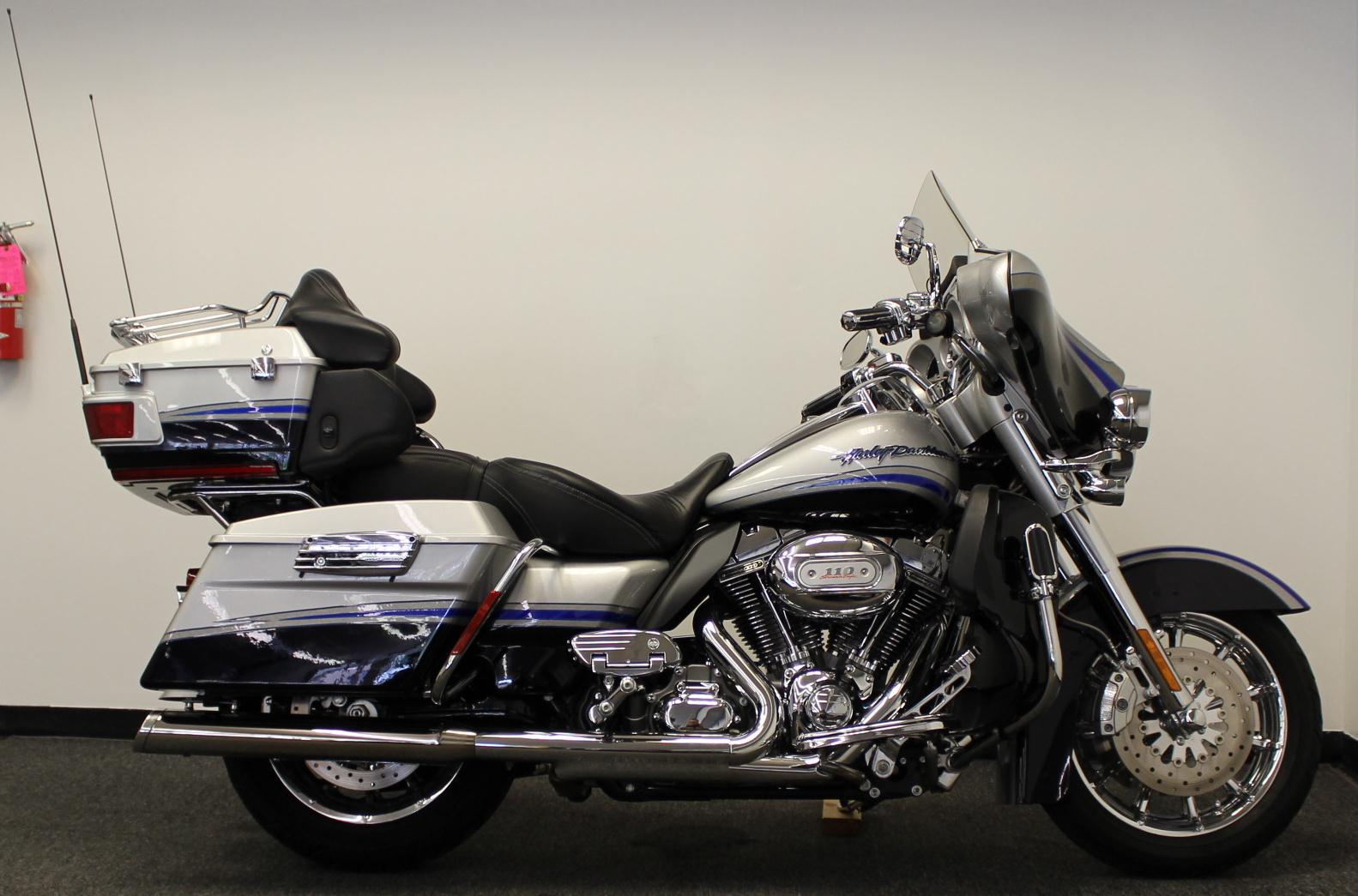 2009 Harley-Davidson FLHTCUSE4 CVO Ultra Classic Electra Glide #10