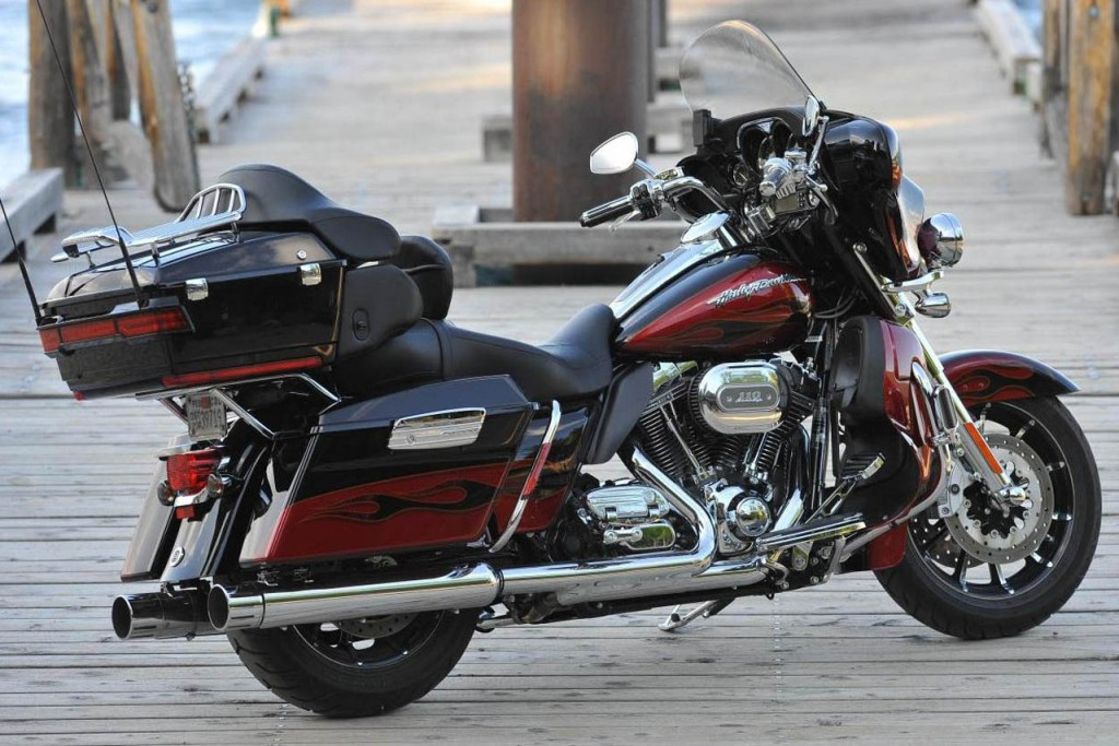 Harley-Davidson FLHTCUSE6 CVO Ultra Classic Electra Glide #4