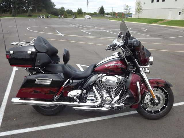 Harley-Davidson FLHTCUSE6 CVO Ultra Classic Electra Glide #7