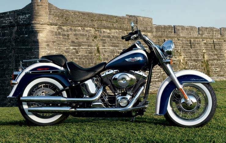 Harley-Davidson Softail Deluxe #4