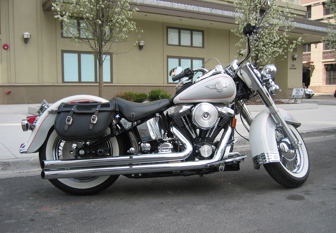 Harley-Davidson Softail Heritage Classic #3