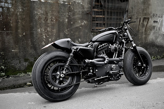Harley-Davidson Sportster Forty-Eight Dark Custom #1