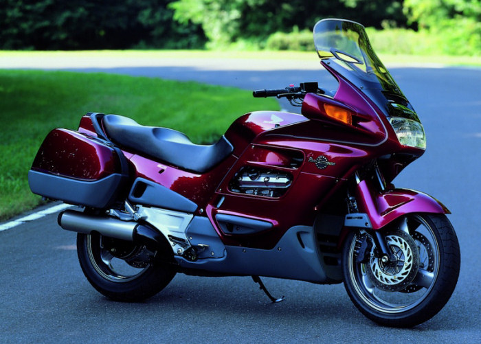 1997 Honda ST1100 Pan-European STD #4