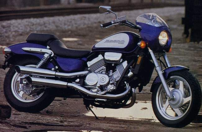 1995 Honda VF750C Shadow #4