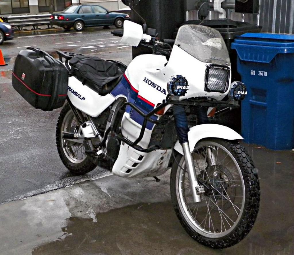 1988 Honda XL600V Transalp (reduced effect) #9