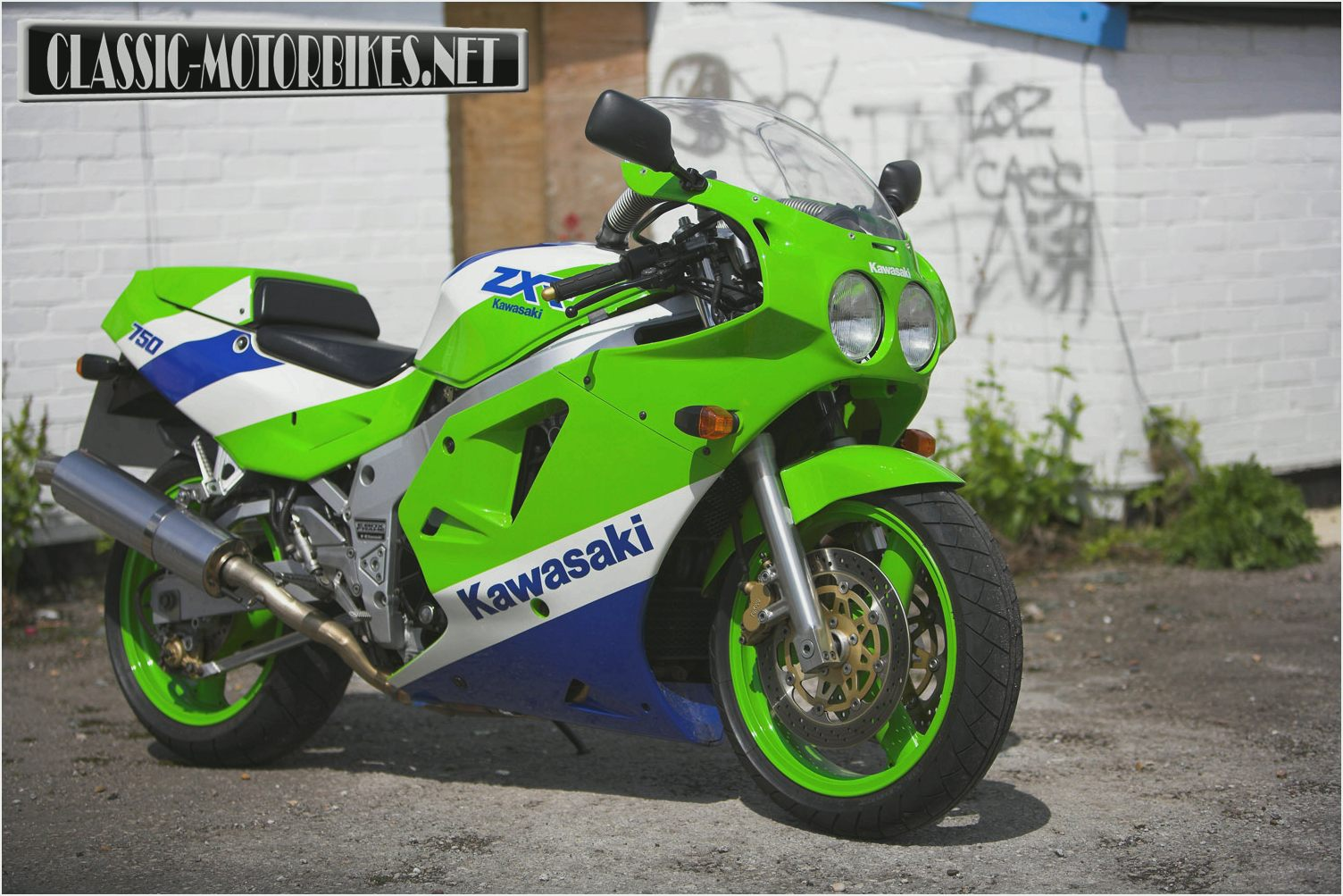 Kawasaki ZXR750R (reduced effect) #1