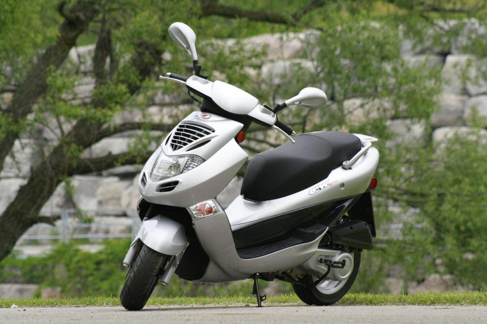 2005 Kymco Bet and Win 150 #2