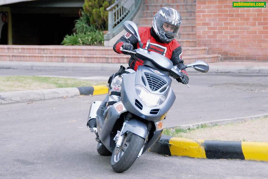 Kymco Bet and Win 250 #2