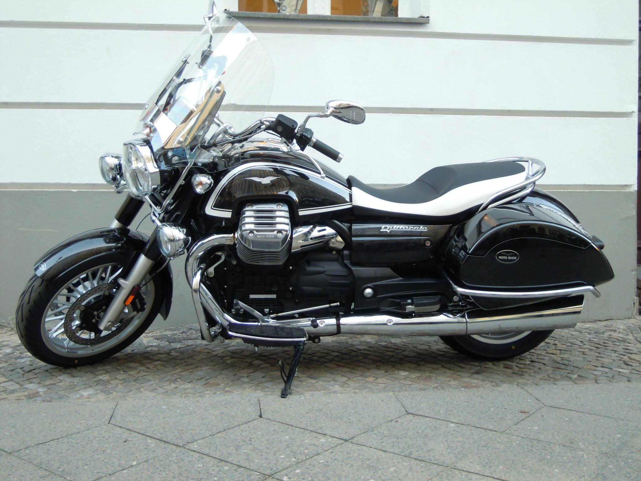 Moto Guzzi California 1400 Touring #2