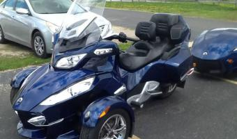 2010 Can-Am Spyder RT Audio #1