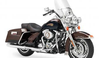 2013 Harley-Davidson Road King 110th Anniversary #1