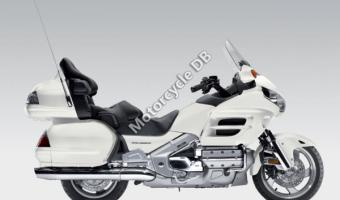 2010 Honda GL1800 Gold Wing Deluxe #1