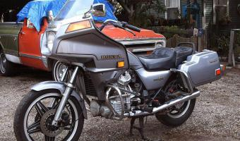 1982 Honda GL500 Silver Wing (reduced effect)