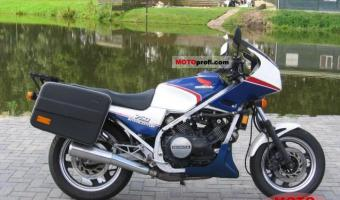 1987 Honda VF750F (reduced effect)