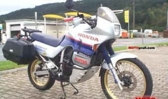 1987 Honda XL600R (reduced effect)