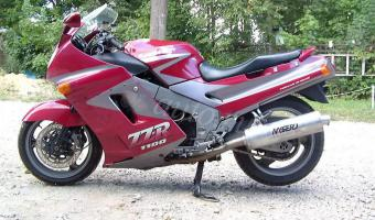 1990 Kawasaki ZZR1100 (reduced effect)