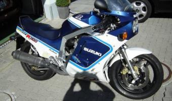 1986 Suzuki GSX-R 750 Special Edition (reduced effect)