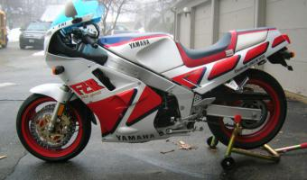 1987 Yamaha FZR 1000 Genesis (reduced effect) #1