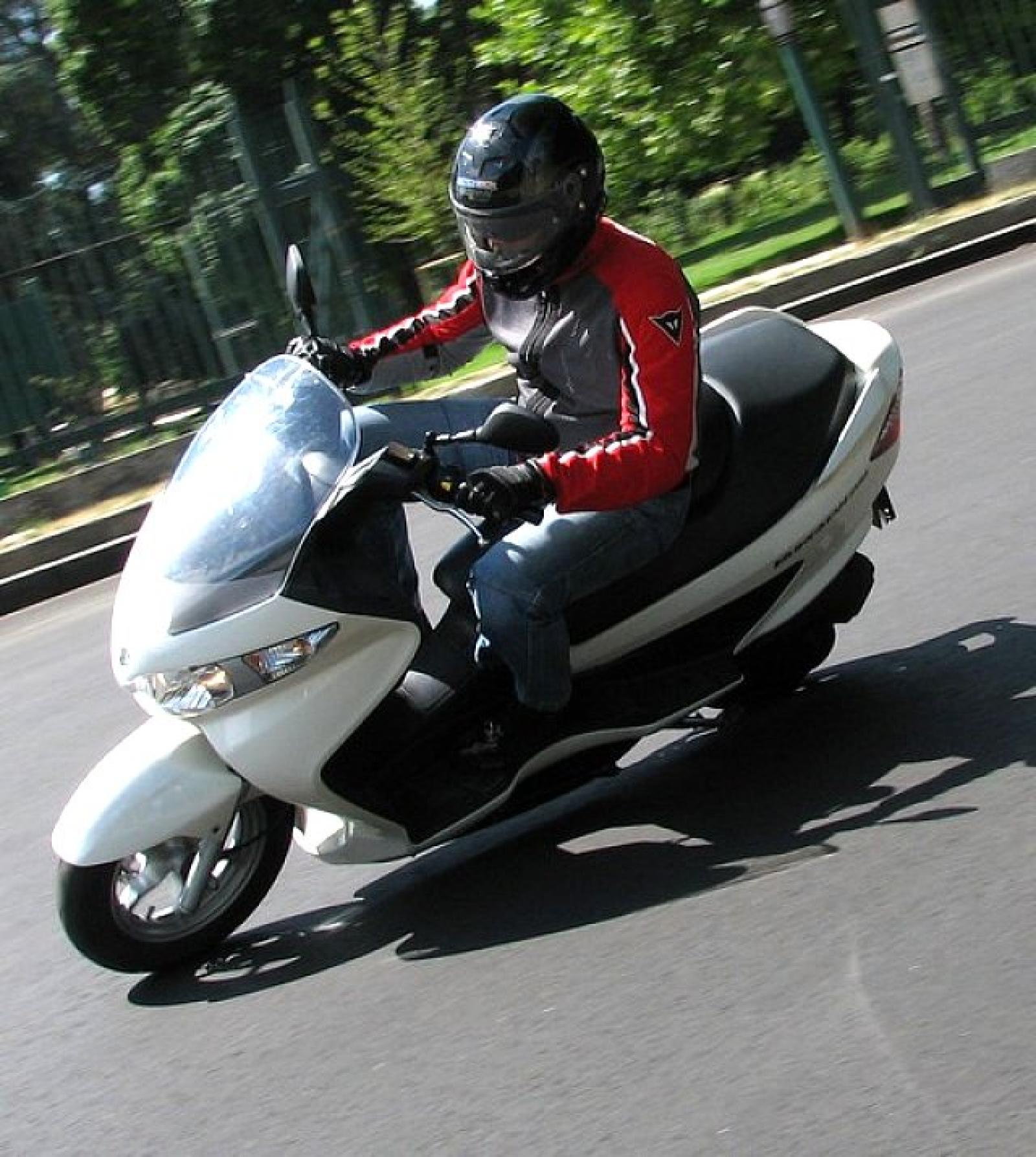 2009 TVS Victor GX 125 Photos, Informations, Articles