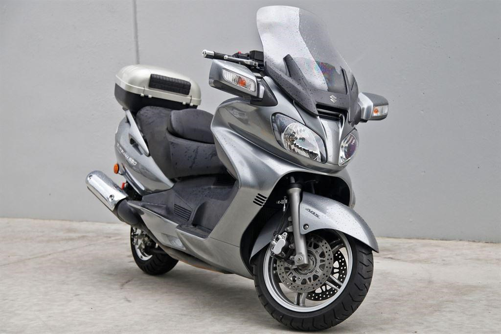 2010 Suzuki Burgman 650 ABS Executive #4