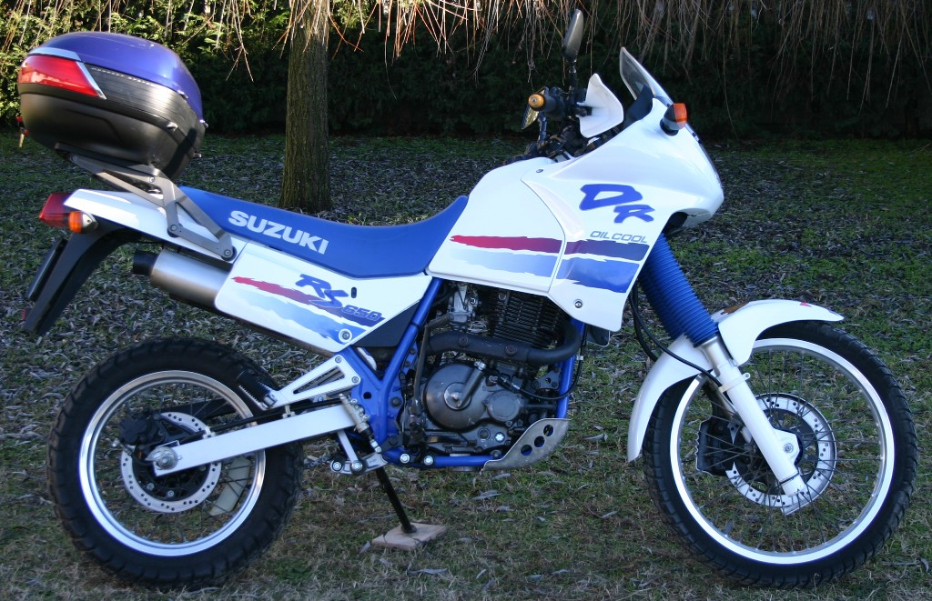 1990 Suzuki DR 650 RS (reduced effect) #3