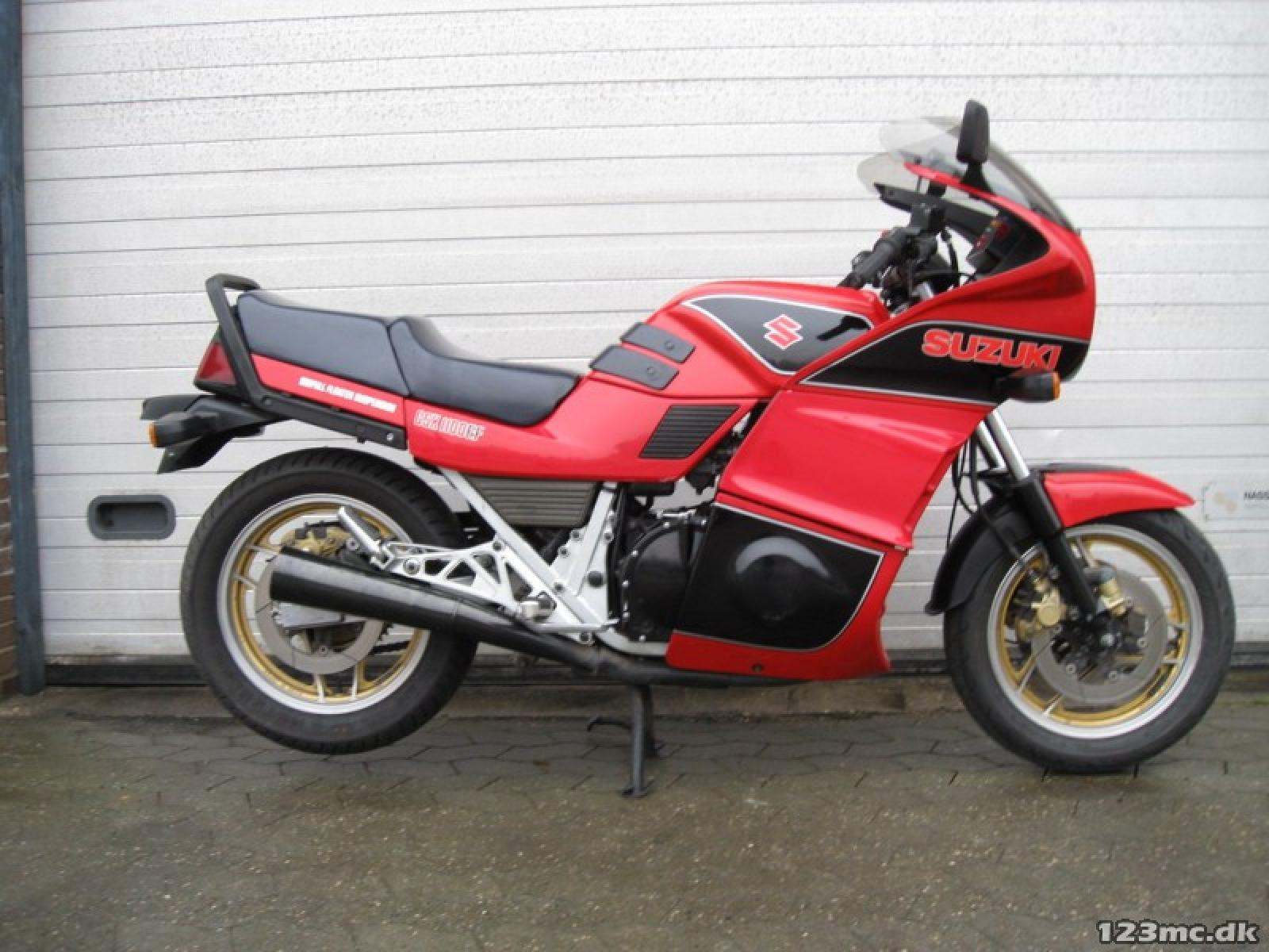 1986 Suzuki GSX 1100 EF (reduced effect) #7