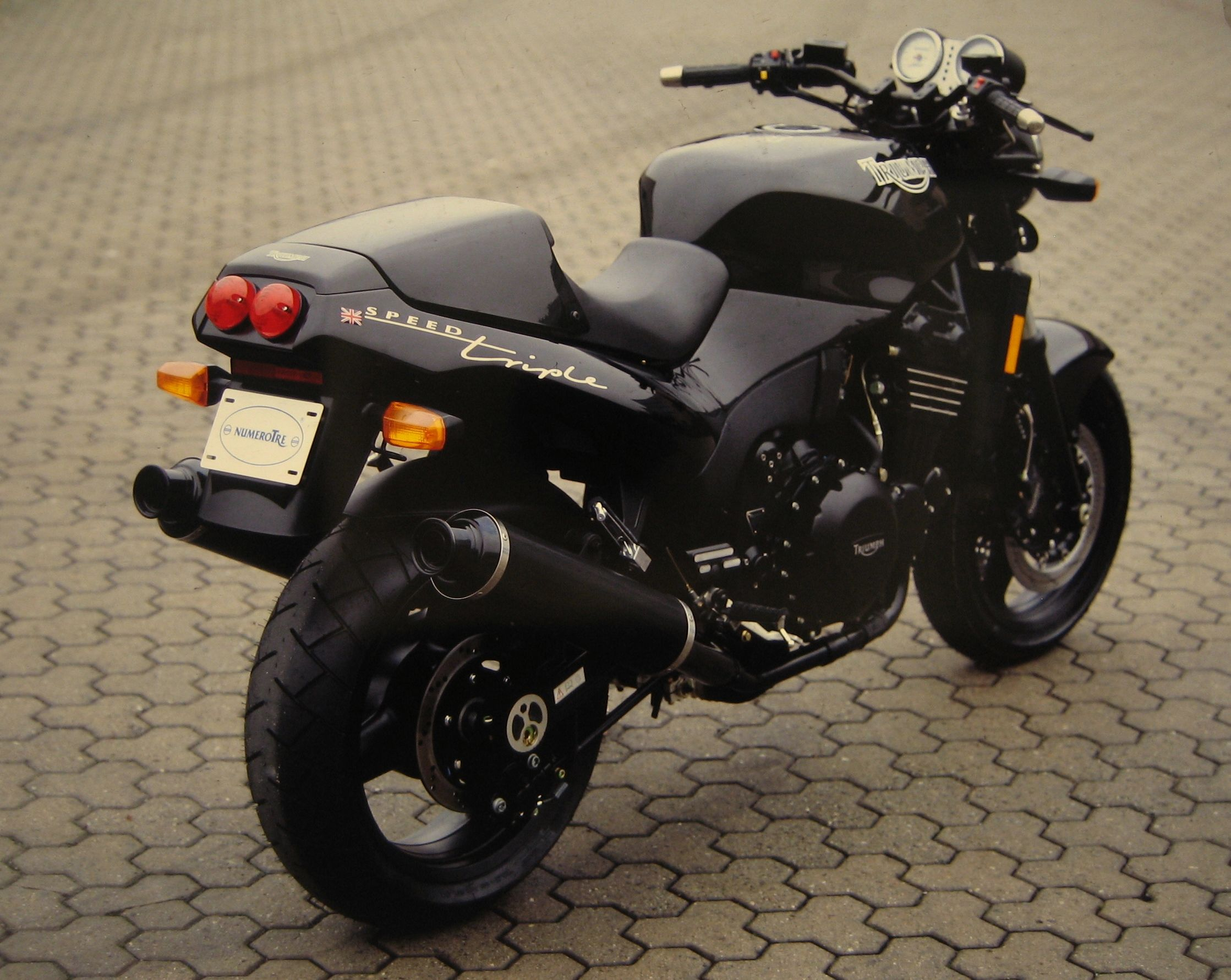 Triumph Speed Triple 900 #2