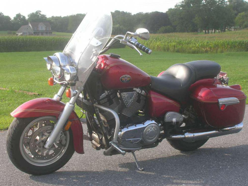 2004 Victory Touring Cruiser #5