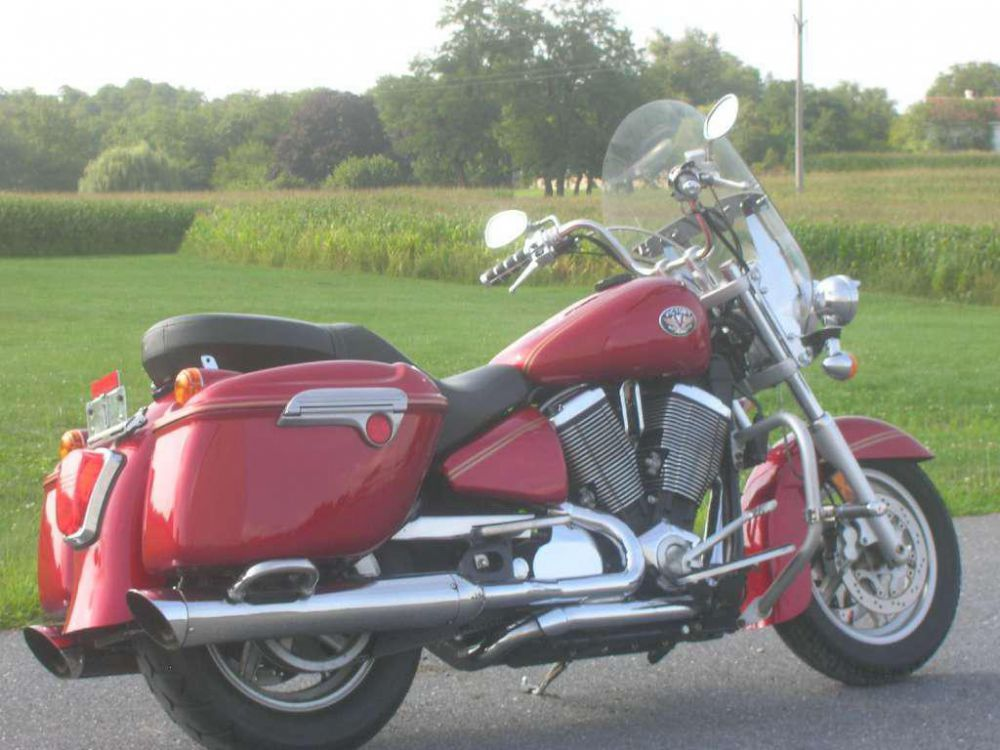 2004 Victory Touring Cruiser #2