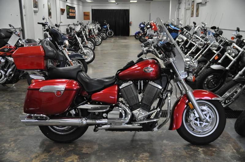 2006 Victory Touring Cruiser #1