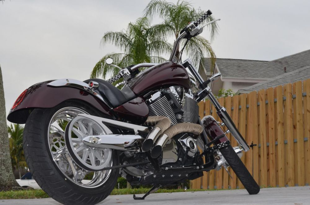 2009 Victory Vegas Low #8