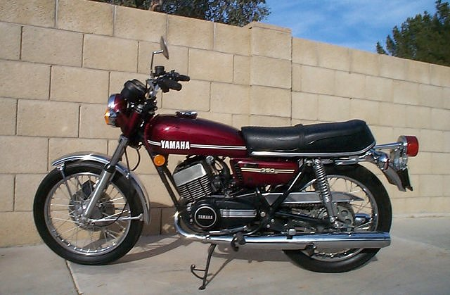 1986 Yamaha RD 350 F (reduced effect) #6