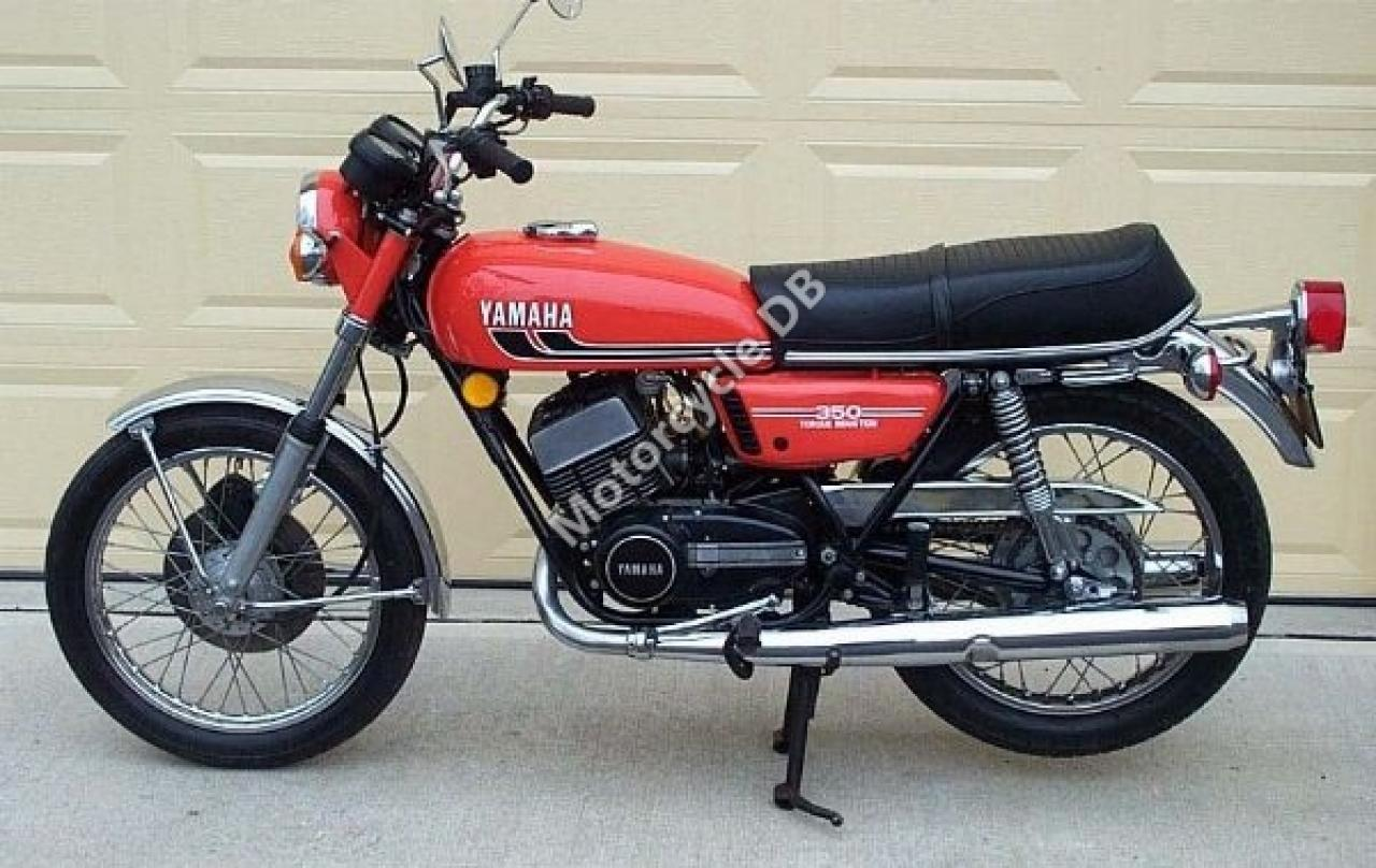 1989 Yamaha RD 350 F (reduced effect) #2