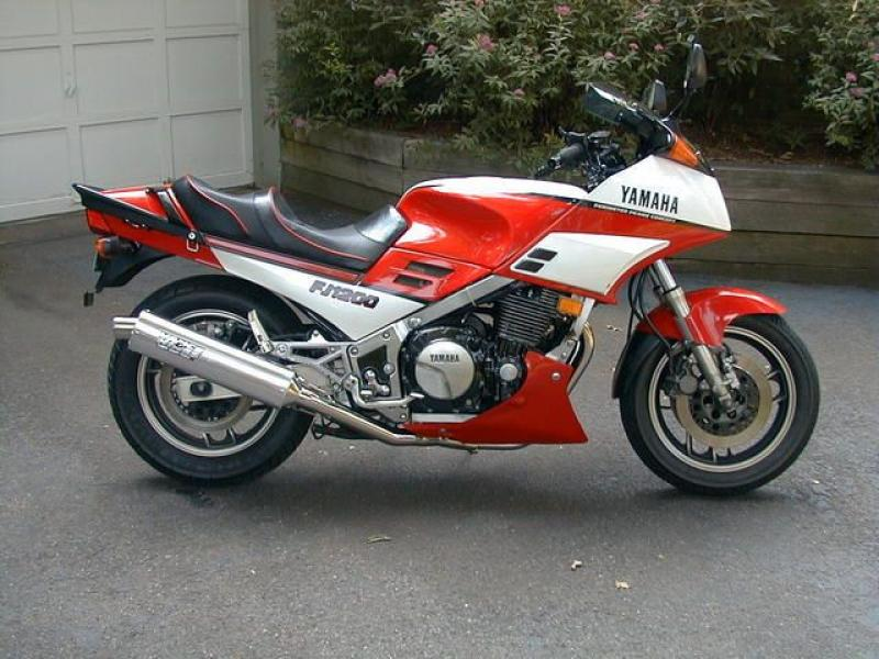 1986 Yamaha RD 350 (reduced effect) #6