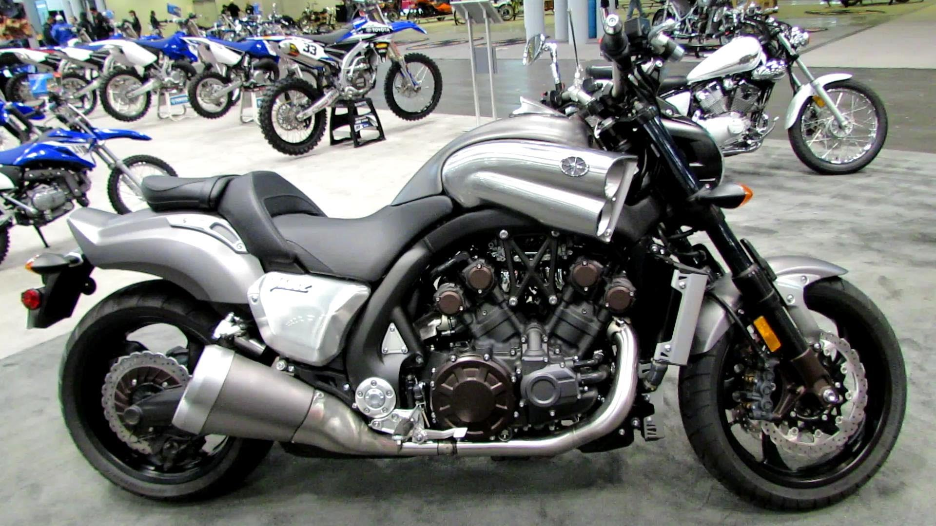 2013 Yamaha VMAX Photos, Informations, Articles - Bikes