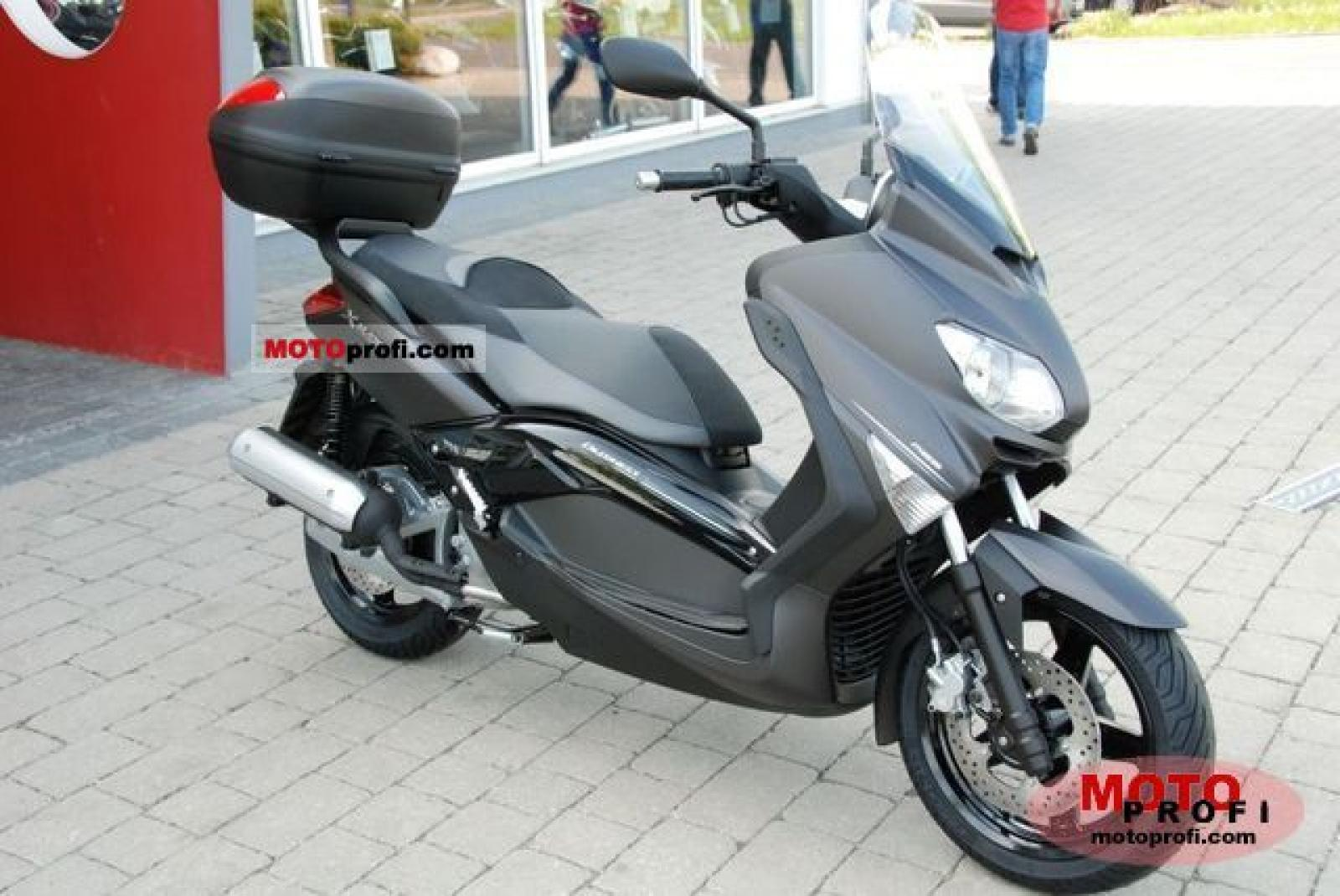 2011 Yamaha X-Max 125 ABS Business #2